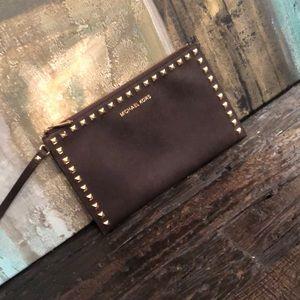 NWOT - brown clutch